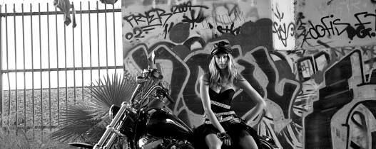 bike_motorcycle_girl_style_image_photo_shoot_88622_2560x1024bw